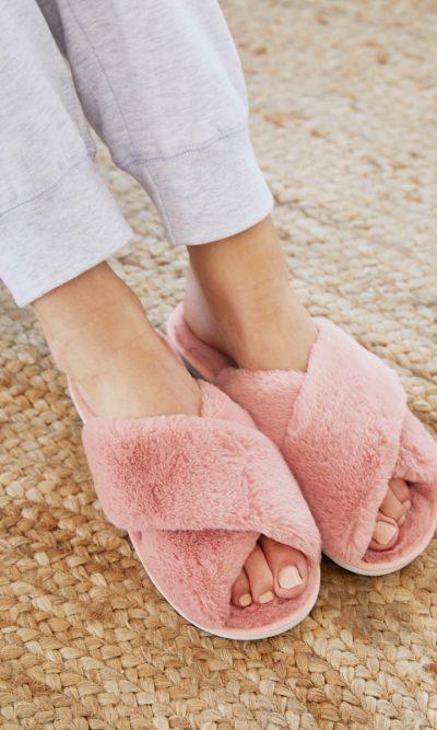 Rose Skylar Fluffy Slippers